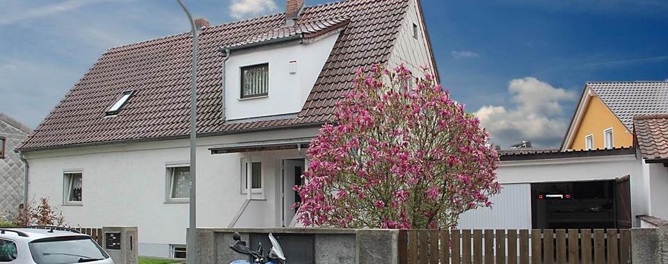 Zweifamilienhaus mit sehr grossem Grundstück in Allach-Untermenzing