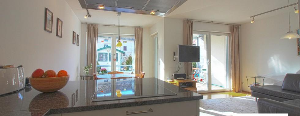 Neuwertige ruhige Maisonette-Wohnung im Grünen