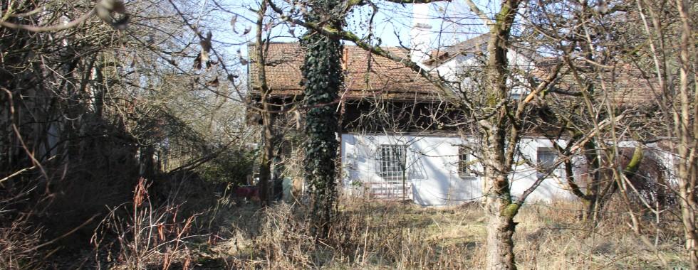 Grundstück mit Altbestand in Waldperlach für Bauträger/Bauherren
