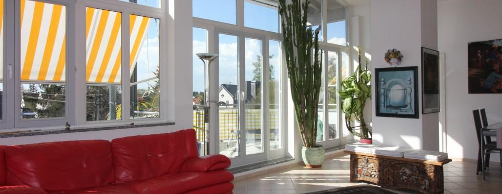 Wunderschöne neuwertige Dachgeschosswohnung mit sensationellem Panorama Ausblick