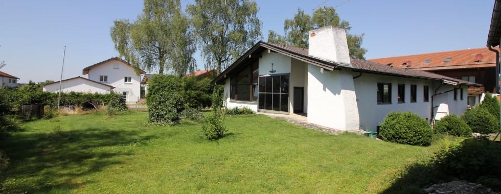 Traumgrundstück mit Altbestand in Aying für Bauträger/Bauherren