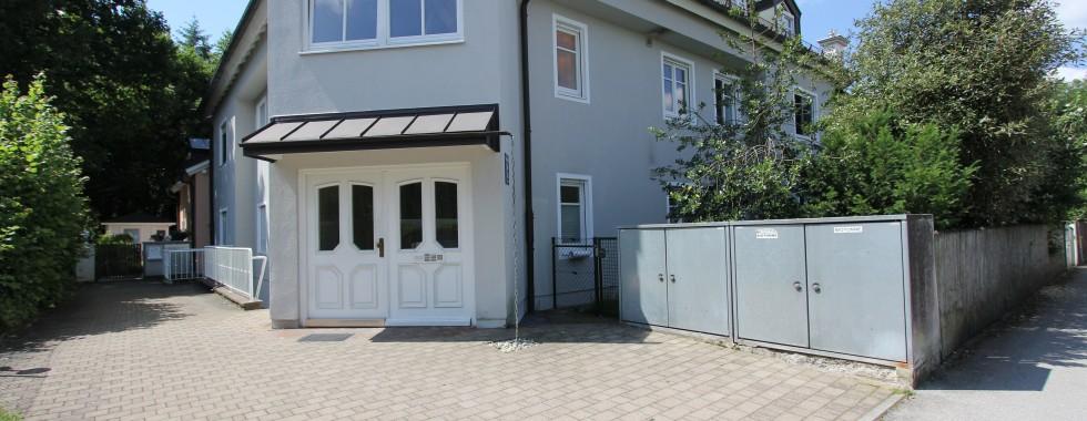 Traumhafte ruhige Erdgeschosswohnung mit kleinem Gartenanteil in Bestlage von Neubiberg