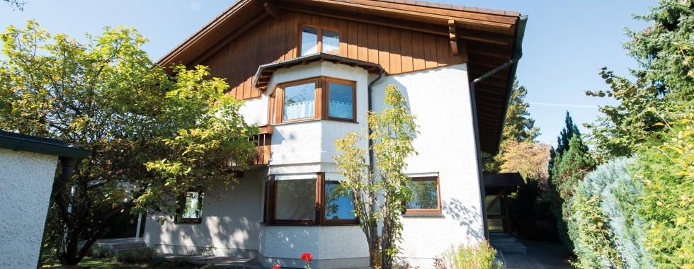 Sehr schönes Mehrfamilienhaus mit sehr viel Platz für große Familien in absoluter Toplage von Neubiberg