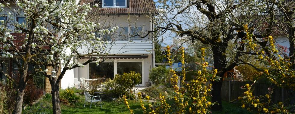 Schöne, sehr gut durchdachte Doppelhaushälfte mit viel Platz und großem Garten in Toplage von Waldtrudering